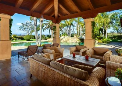 Las Brisas Featured